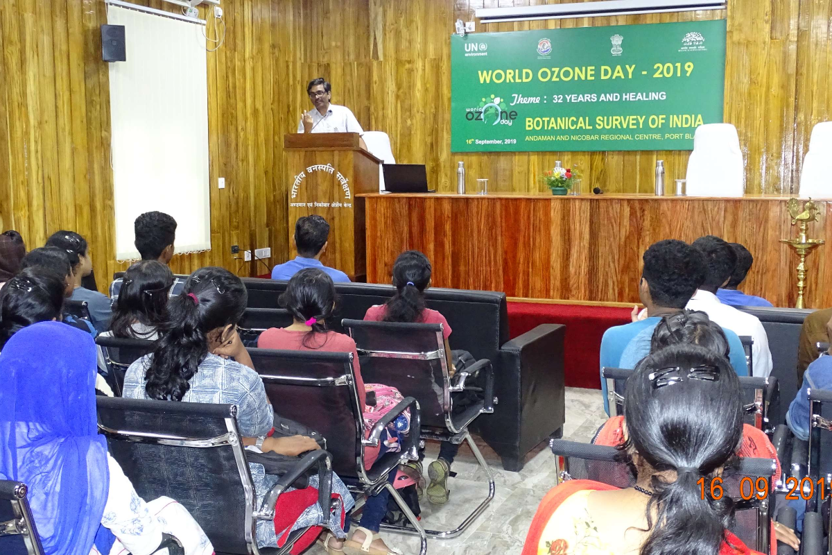 Dr.Lal Ji Singh, Scientist E  HOO delivering lecture on the occasion of World Ozone Day(1)